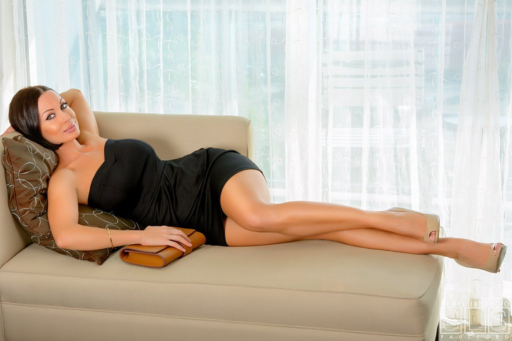 Elegant boudoir photo shoot
