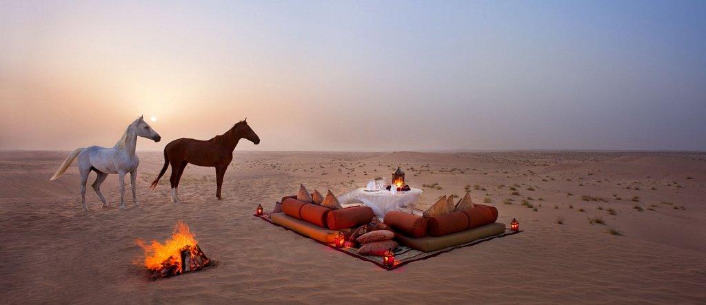 jld-romantic-desert-dining-Bab-Al-Shams.jpg