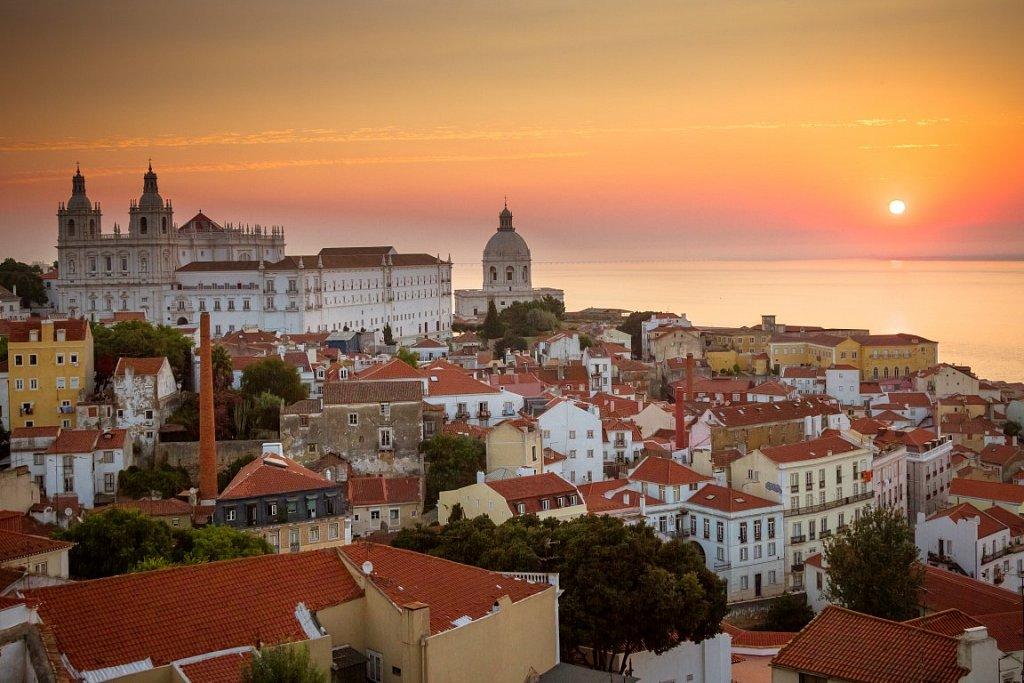 Nelson-Carvalheiro-Lisbon-Sunrise1.jpg